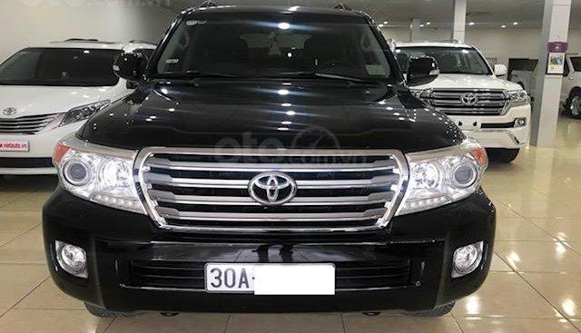 Bán ô tô Toyota Land Cruiser VX 2014, màu đen, đăng ký một chủ từ đầu