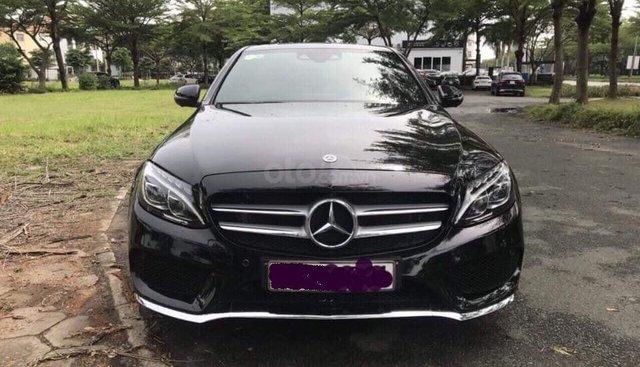 Gia đình cần bán C300 AMG, sản xuất 2018, bản full, màu đen cực ngầu