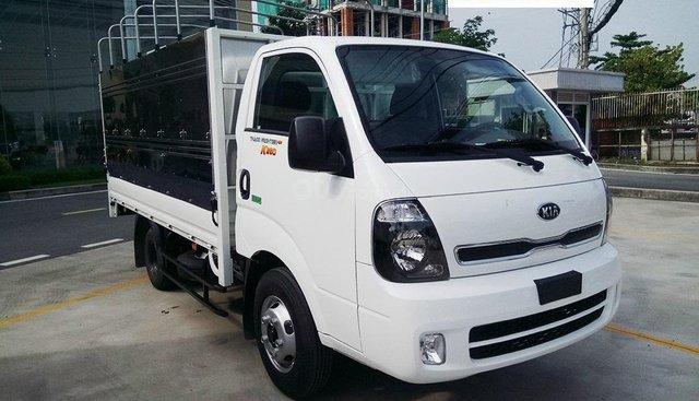 Cần bán xe tải động cơ Huyndai New Frontier K250, đời 2019, thùng mui bạt, trả góp 75% tại Bình Dương. LH: 0944 813 912