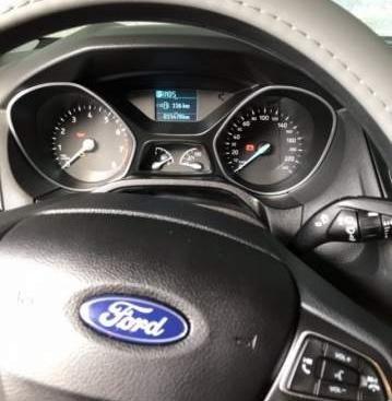 Bán Ford Focus đời 2018, màu đỏ, chính chủ