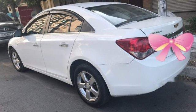 Bán Chevrolet Cruze sản xuất năm 2013, màu trắng chính chủ
