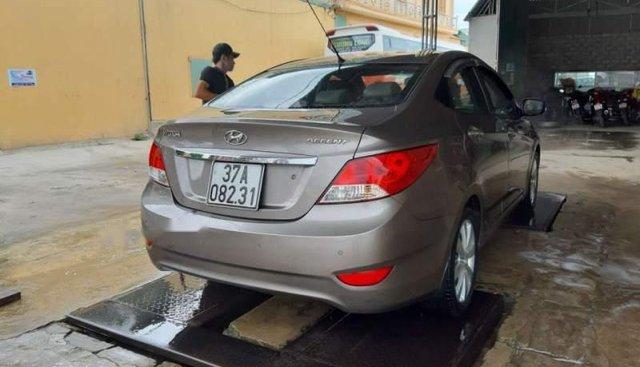 Bán Hyundai Accent 2013, màu xám, nhập khẩu