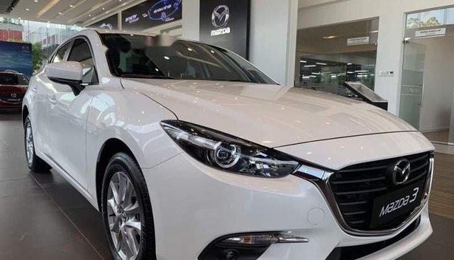 Bán Mazda 3 2019, màu trắng, xe nhập