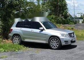 Cần bán Mercedes GLK 300 đời 2010, màu bạc