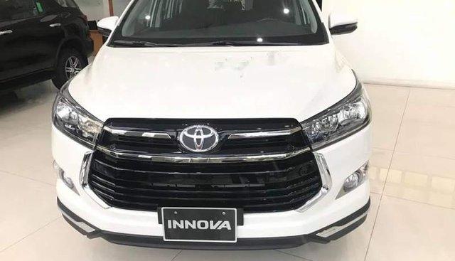 Bán xe Toyota Innova E năm sản xuất 2019, màu trắng