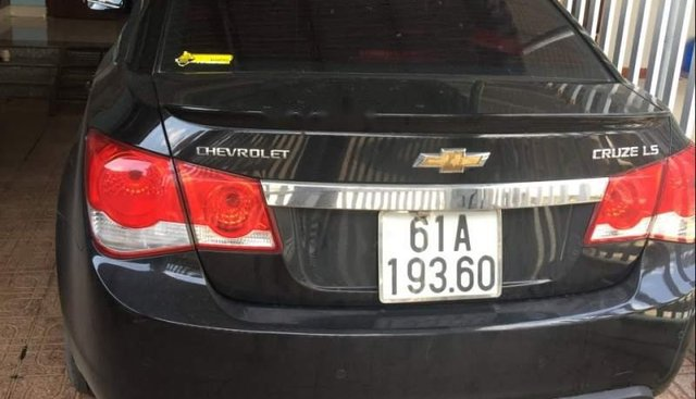 Bán Chevrolet Cruze năm sản xuất 2015, màu đen