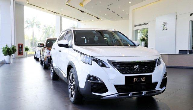 Bán xe Peugeot 5008 đời 2019 màu trắng liên hệ 0938.80.50.40