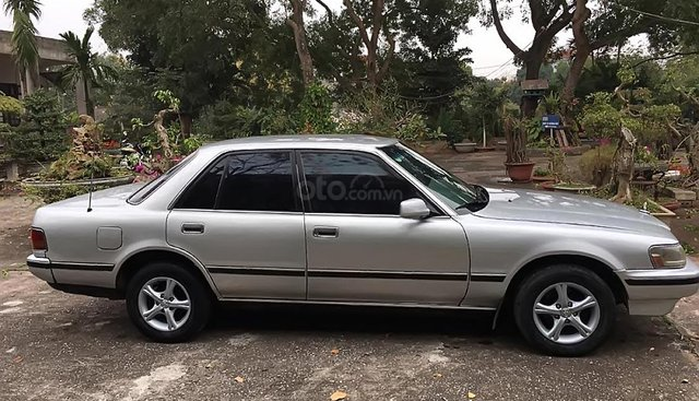 Bán Toyota Cressida 2.4 đời 1990, màu bạc, nhập khẩu, giá tốt