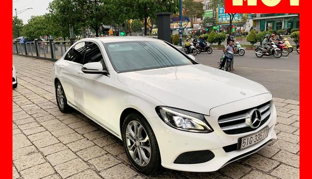 Bán xe Mercedes C200 trắng 2017 cũ chính hãng giá tốt. Trả trước 450 triệu nhận xe ngay