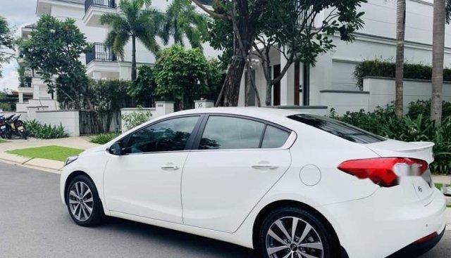 Cần bán lại xe Kia K3 năm 2014, màu trắng số tự động, giá 580tr