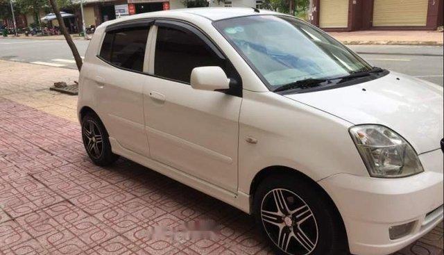 Cần bán xe Kia Morning sản xuất năm 2005, màu trắng, nhập khẩu Hàn Quốc, số tự động giá cạnh tranh