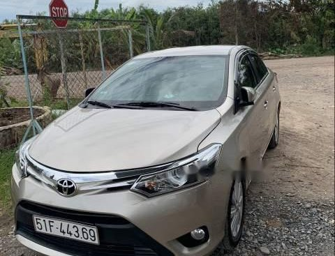 Cần bán Toyota Vios G sản xuất 2016, màu vàng chính chủ