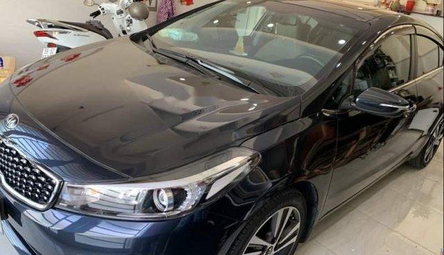 Bán gấp Kia Cerato 2.0 sản xuất năm 2018, giá 645tr