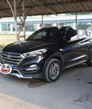 Cần bán Hyundai Tucson sản xuất năm 2018, màu đen, xe nhập xe gia đình