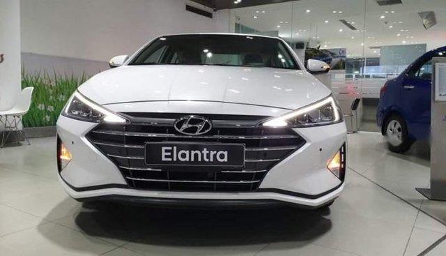 Bán Hyundai Elantra sản xuất năm 2019, màu trắng
