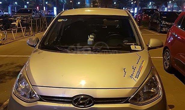 Bán Hyundai Grand i10 sản xuất 2015, màu bạc, xe nhập, giá 365tr