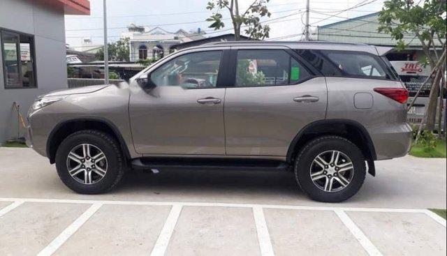 Bán ô tô Toyota Fortuner 2.4G sản xuất 2019, màu xám