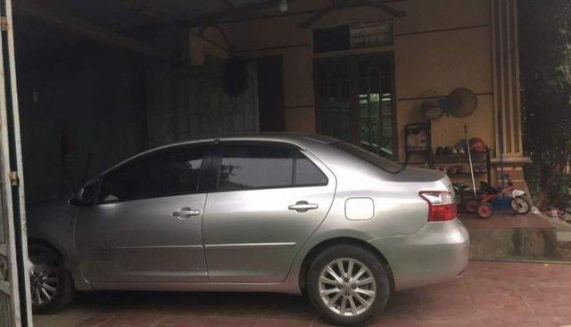 Bán Toyota Vios đời 2011, màu bạc, giá tốt