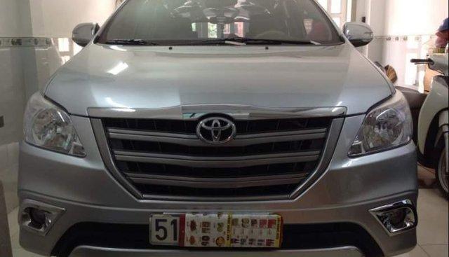 Bán Toyota Innova E sản xuất năm 2015, màu bạc, xe nhập chính chủ