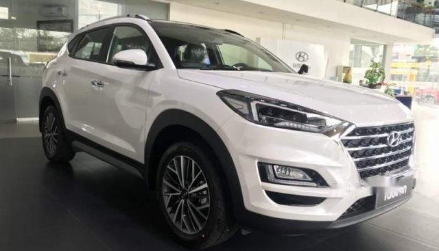 Bán Hyundai Tucson 2019, màu trắng, nhập khẩu