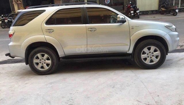 Bán xe Fortuner 2009 số tự động, máy xăng, màu bạc