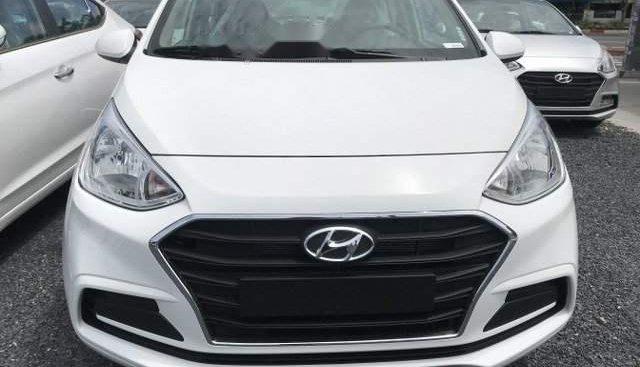 Bán ô tô Hyundai Grand i10 1.2MT Base năm sản xuất 2019, màu trắng