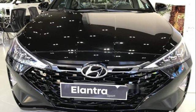 Cần bán Hyundai Elantra Sport đời 2019, màu đen
