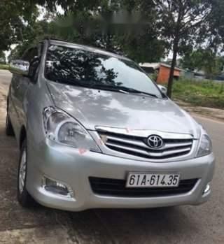 Bán Toyota Innova G năm sản xuất 2009, màu bạc số sàn, 395tr