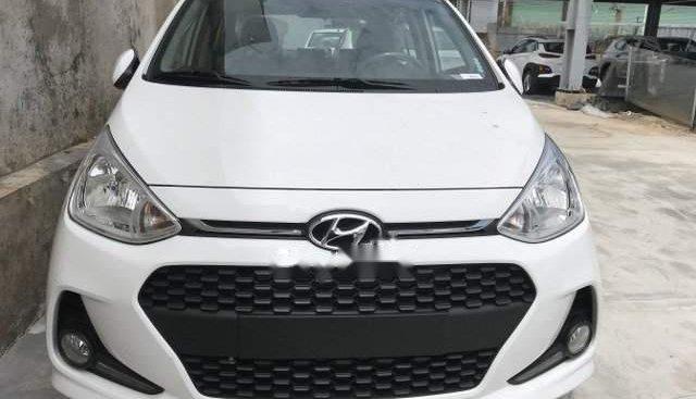 Cần bán xe Hyundai Grand i10 1.2AT 2019, màu trắng, giá 400tr