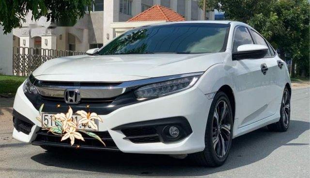 Cần bán xe Honda Civic đời 2017, màu trắng, nhập khẩu Thái số tự động, 799 triệu