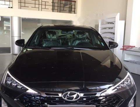 Bán xe Hyundai Elantra Sport 1.6 AT năm 2019, màu đen