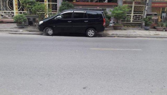 Cần bán lại xe Toyota Innova G đời 2006, màu đen xe gia đình