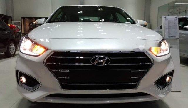 Bán Hyundai Accent sản xuất 2019, màu trắng, giá 428tr