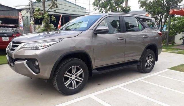 Bán ô tô Toyota Fortuner đời 2019, màu xám