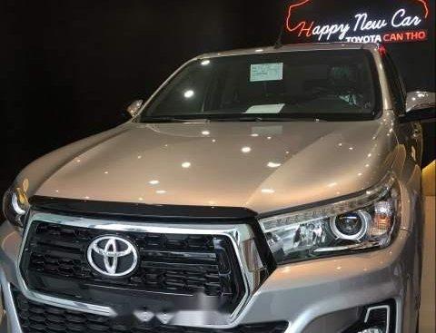 Cần bán xe Toyota Hilux E 4x2 AT năm sản xuất 2019, nhập khẩu nguyên chiếc
