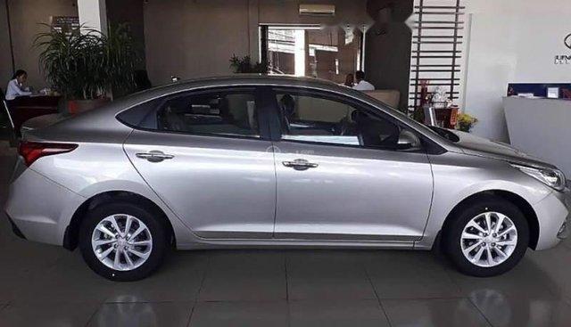 Bán Hyundai Accent đời 2019, màu bạc, nhập khẩu nguyên chiếc