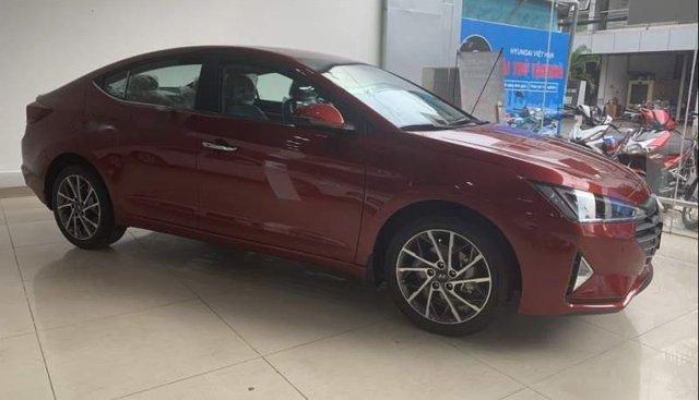 Bán ô tô Hyundai Elantra đời 2019, màu đỏ, giá 690tr