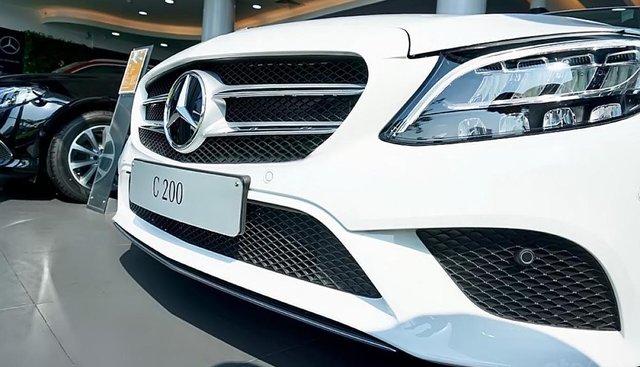 Bán ô tô Mercedes C200 Facelift sản xuất 2019, màu trắng