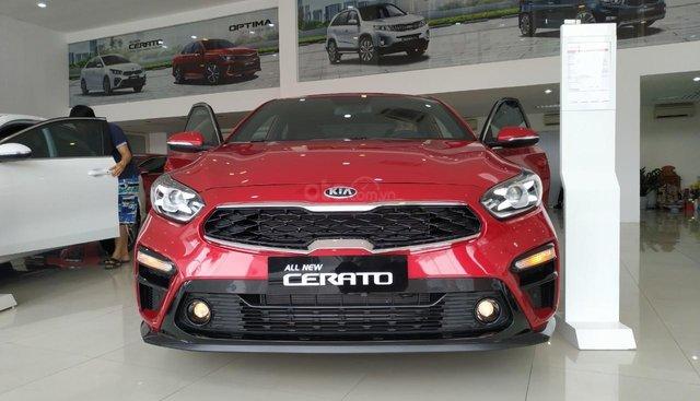 Cần bán xe Kia Cerato MT, AT, Delux đời 2019, màu đỏ, giá 559tr