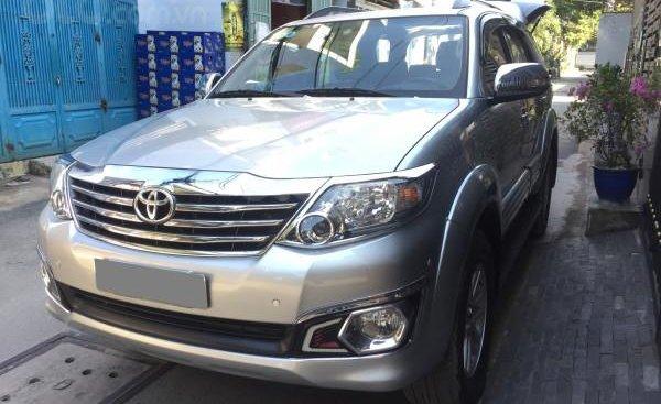 Bán xe Toyota Fortuner 2014, số tự động, máy xăng, màu bạc, xe BSTP