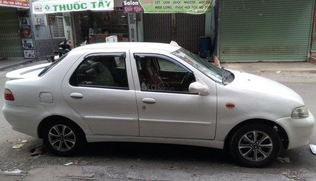 Cần bán xe Fiat Albea 1.3 EL sản xuất 2004, màu trắng, nhập khẩu