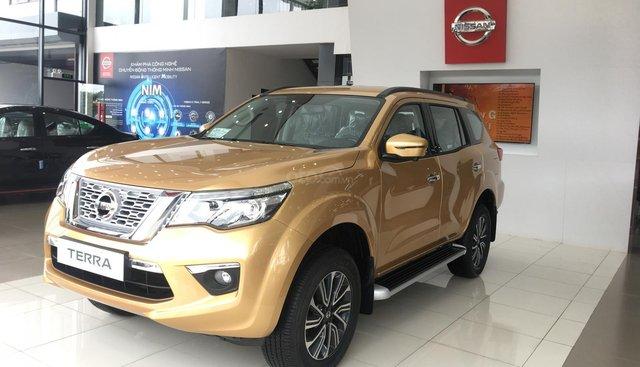 Bán Nissan Terra V đời 2019, màu vàng, nhập khẩu