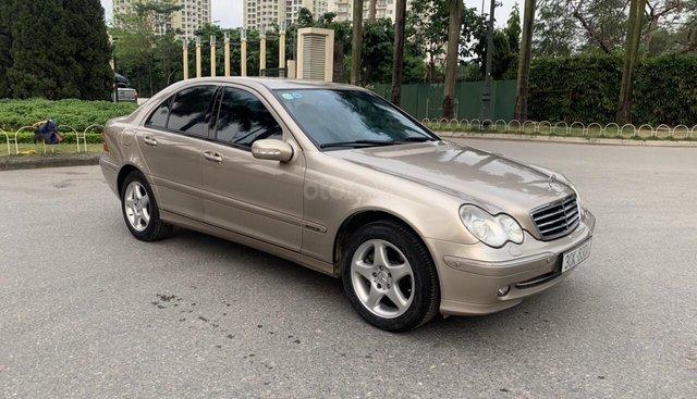 Bán Mercedes C240 năm sản xuất 2003, màu vàng