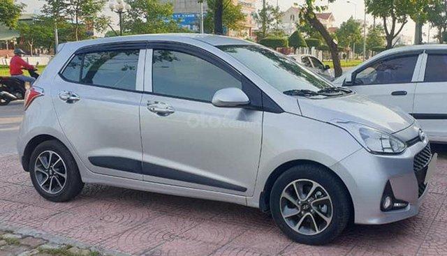 Bán Hyundai Grand I10 số sàn 1.2 màu bạc 2018, xe gia đình
