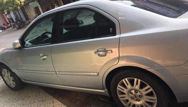 Bán Ford Mondeo 2.5AT năm sản xuất 2005, màu bạc, giá 173tr