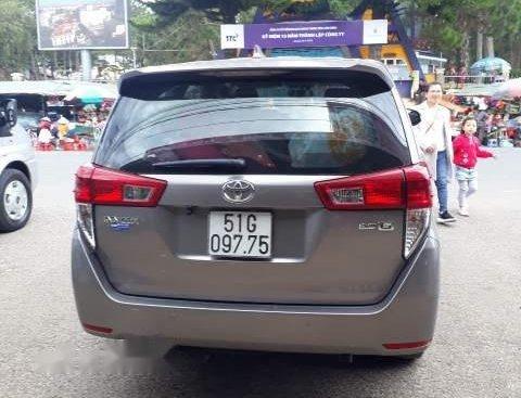 Bán Toyota Innova năm sản xuất 2017, xe gia đình đi cẩn thận