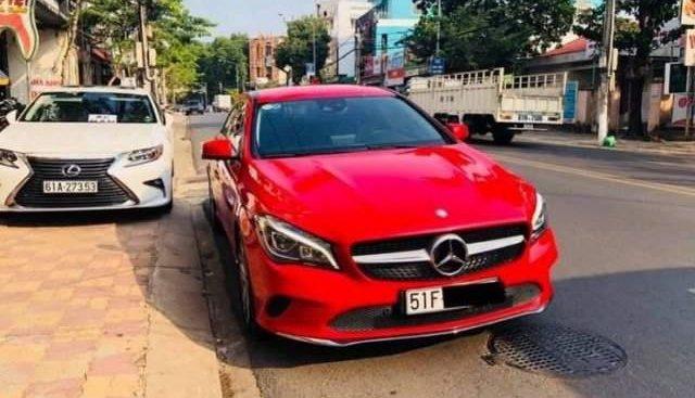 Chính chủ bán Mercedes CLA 200 sản xuất 2017, màu đỏ, xe nhập