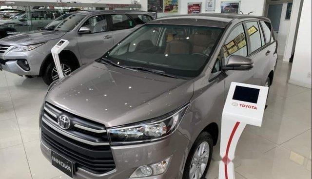Bán Toyota Innova 2.0E MT năm 2019, xe mới 100%