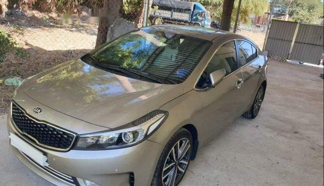 Bán xe Kia Cerato sản xuất năm 2017, nhập khẩu nguyên chiếc, còn mới giá cạnh tranh