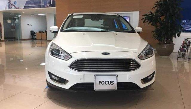 Bán xe Ford Focus đời 2019, màu trắng